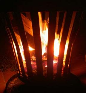 brandende vuurkorf